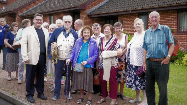Councillor Rowles with members of the Ashlawn Gardens Social Club