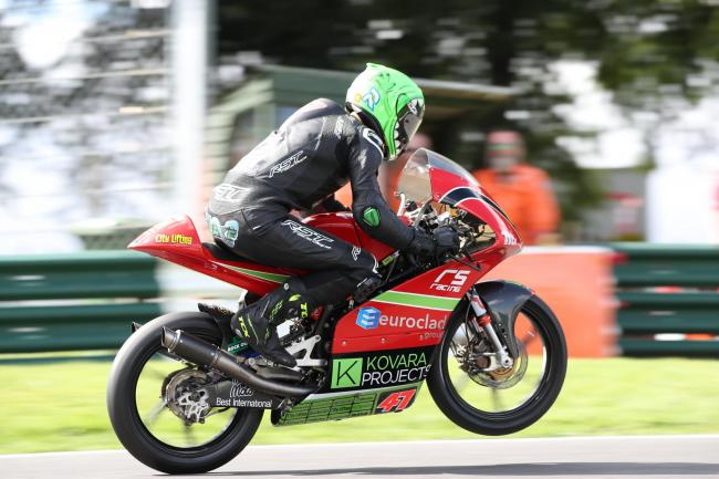 Jake Archer in action at Cadwell Park Image:Kerry Rawson