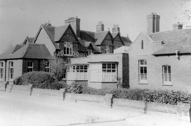The Andover Cottage Hospital buildings, Junction Road, in the 1950s. Photo from the John Marchment collection.