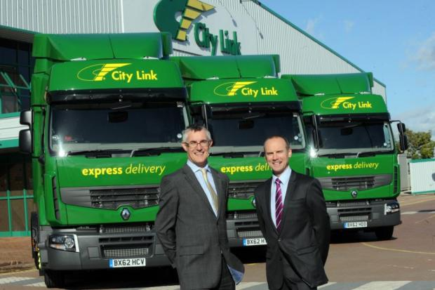 City Link managing director Dave Smith with Fraikin chief executive officer Peter Backhouse.