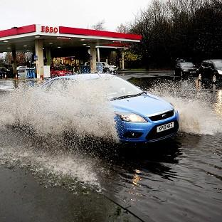 Andover Advertiser: Britian is back on flood alert as heavy rainfall and high winds batter the south coast
