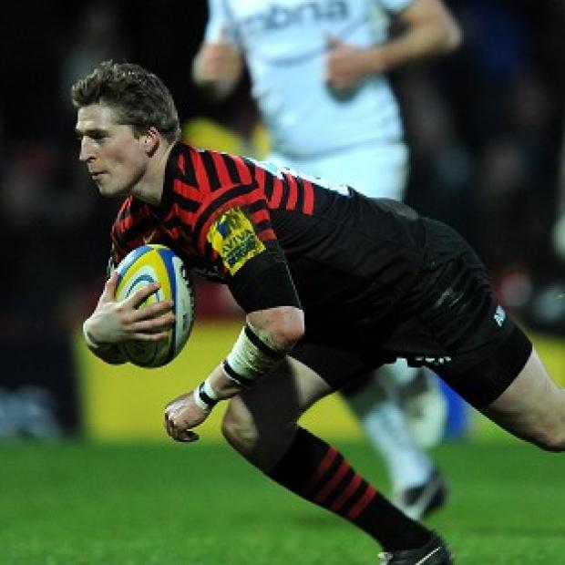 David Strettle goes over for Saracens' first try