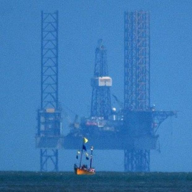 A North Sea oil rig has been closed after a leak was found