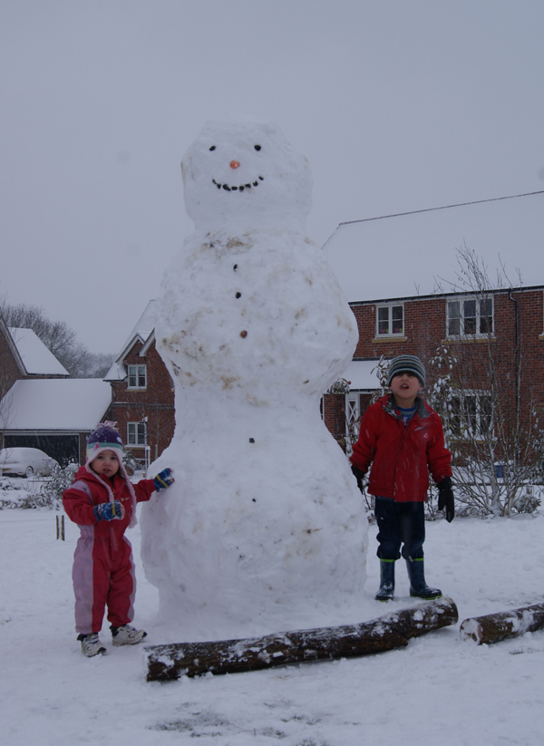 Andover Advertiser: A giant snowman in Casbrook Field, Upper Timsbury, Romsey