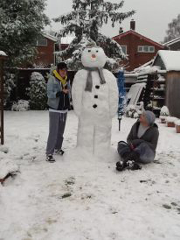 Lianne and Chris Hollis' Snowman.