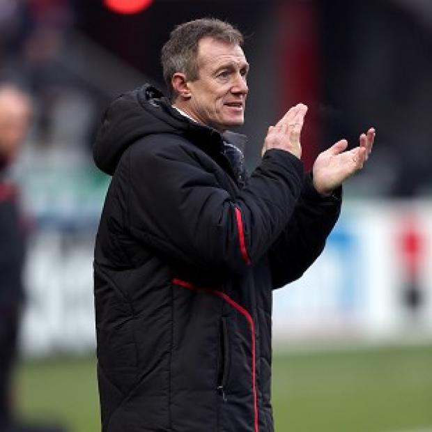 Rob Howley is expecting a fierce battle on Saturday