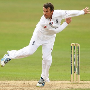 Graeme Swann took five wickets as England beat Essex