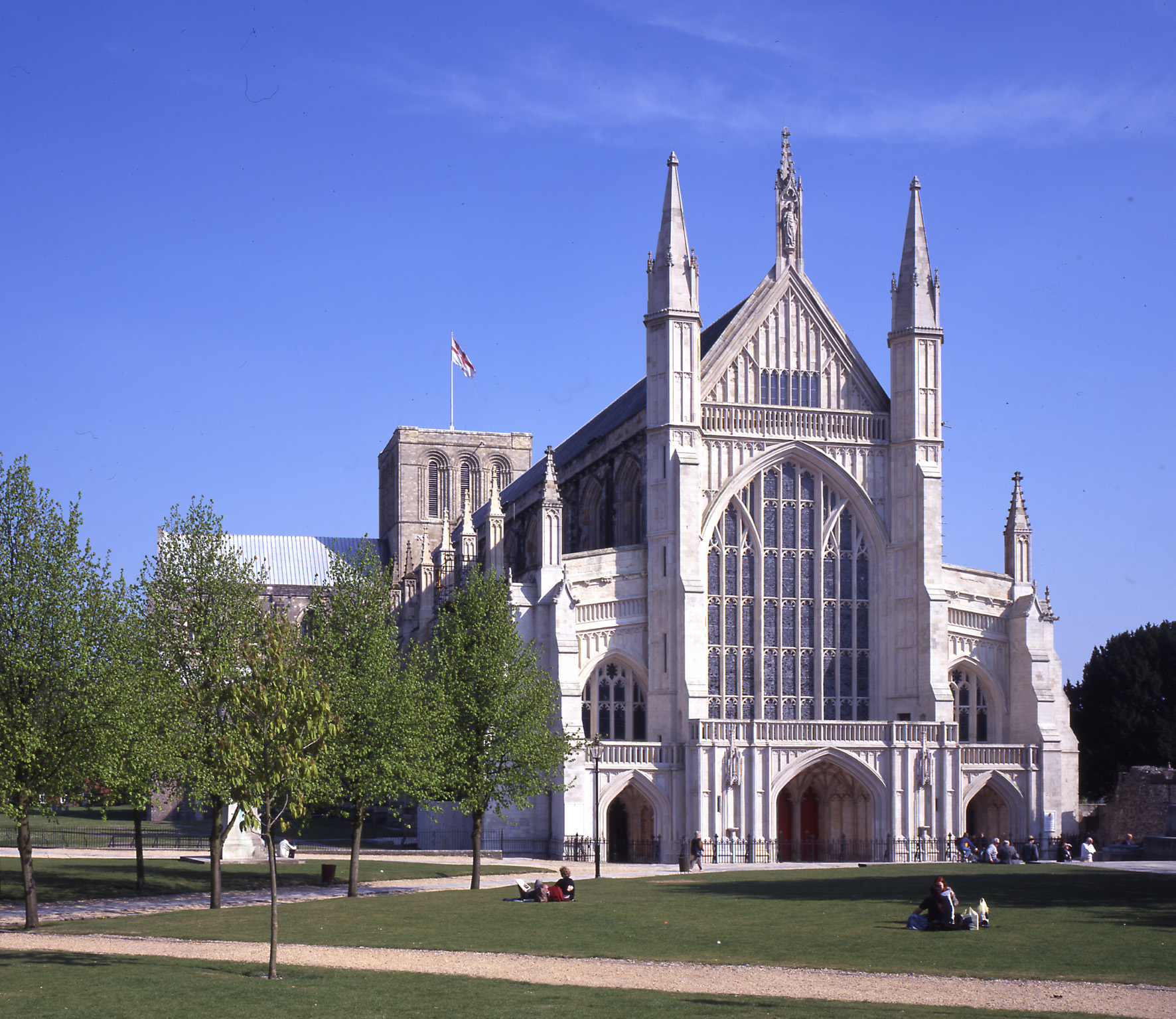 Interfaith concert in Winchester Cathedral marks Holocaust Memorial Day