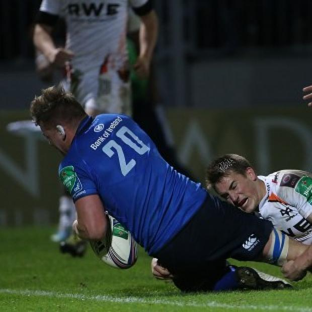 Andover Advertiser: Jordi Murphy scores a try for Leinster