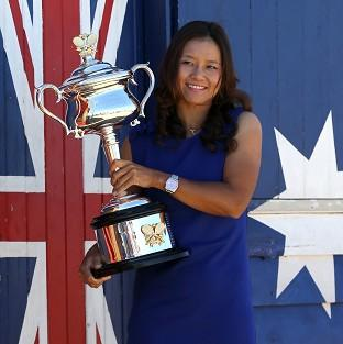 China's Li Na poses with her Aus