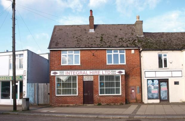 Former bank in Fawley fetches £85,000 at auction