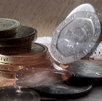 Ministers approve minimum wage rise