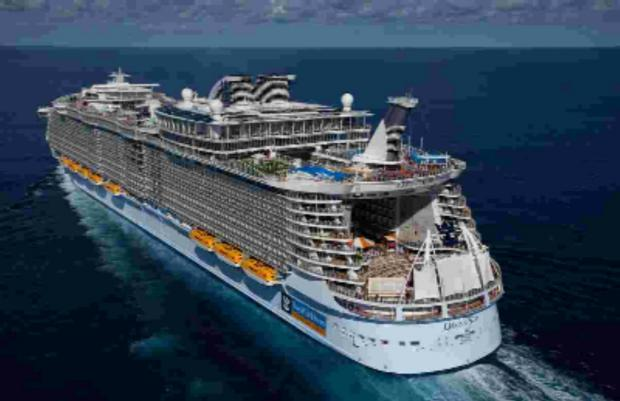 Andover Advertiser: WORLD'S LARGEST CRUISE SHIP: The Royal Caribbean International's Oasis of the Seas.