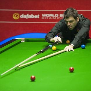 Ronnie O'Sullivan had an easy job of progressing to the Dafabet World Snooker Championship semi-finals