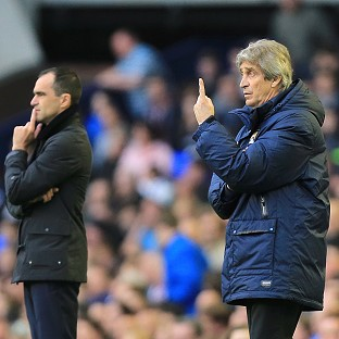 Manuel Pellegrini, right, is taking things one game at a time