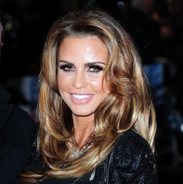 Andover Advertiser: Pregnant Katie Price told her fans on Twitter that she is getting divorced