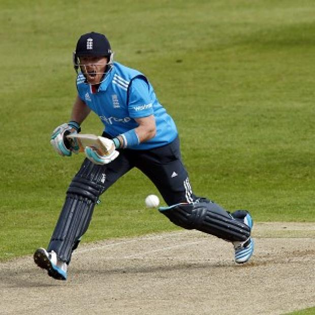 Andover Advertiser: Ian Bell top-scored for England with 50