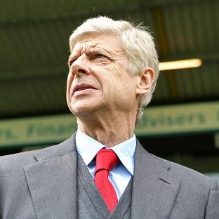 Arsene Wenger has backed Arsenal to cope with the pressure this wee