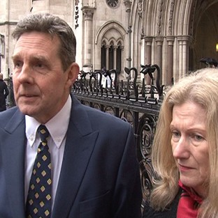 British couple Paul and Sandra Dunham have been remanded in custody in the US on fraud charges