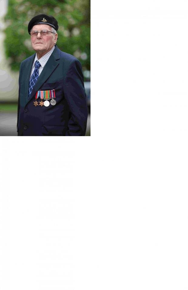 Andover Advertiser: D-Day veteran Deny Hunter from North Baddesley