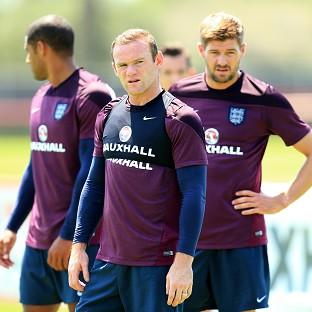 Wayne Rooney could be asked to play on the left again