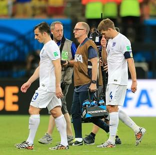 Steven Gerrard, centre, will do his best to lift England before Thursday
