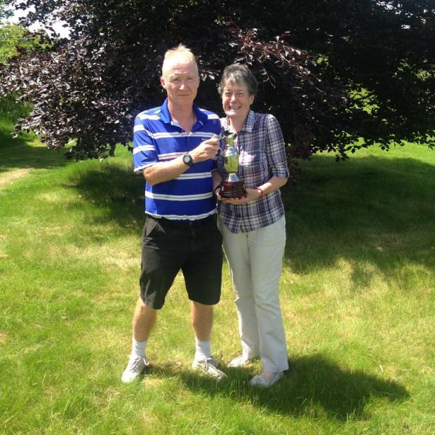 Andover Advertiser: Glennis and Dean take the Swappers