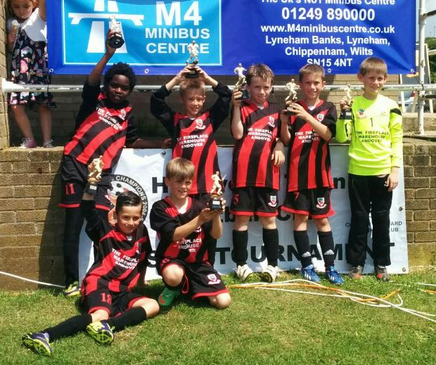 Andover Youth U9 celebrate at Highworth