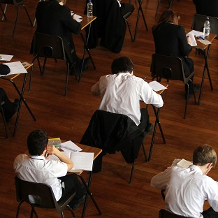 Thousands of parents have appealed after their children were turned down for school places, a report says