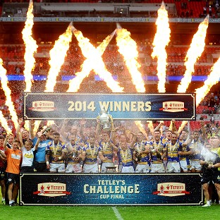 Leeds celebrate their Tetley's Challenge Cup win at Wembley