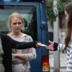 Andover Advertiser: EastEnders' Lauren and Abi Branning ask Stacey Fowler for a huge favour - but will she do it?