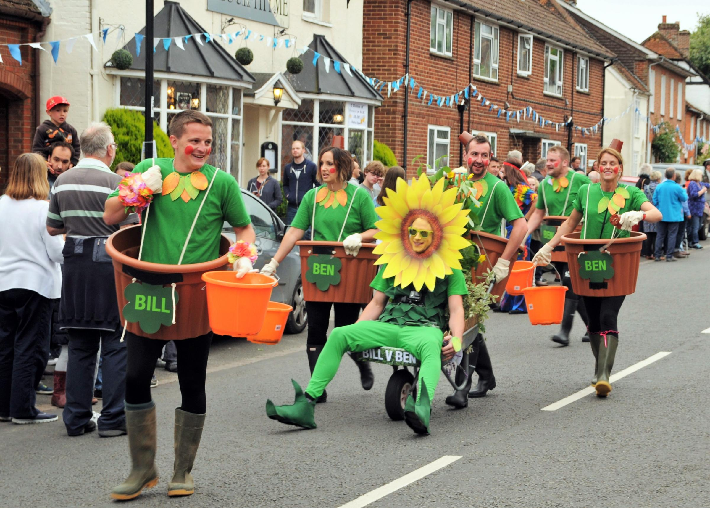 More than 80 competitors set to take on wheelbarrow race
