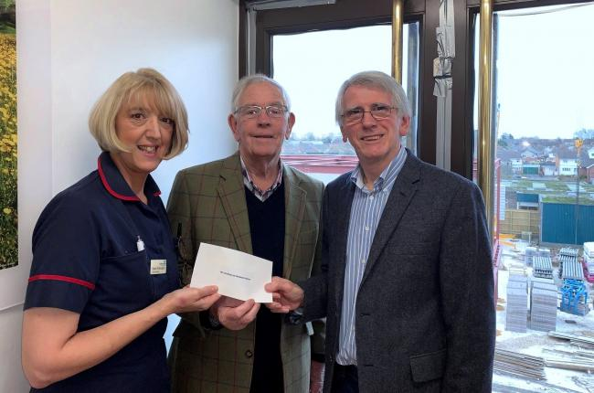Evening of sing-song sees funds pour in for town hospice   Andover