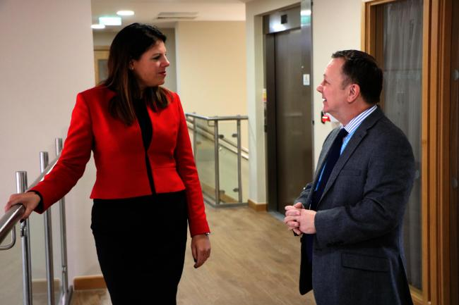 Caroline Nokes MP meets Naomi House chief executive Mark Smith