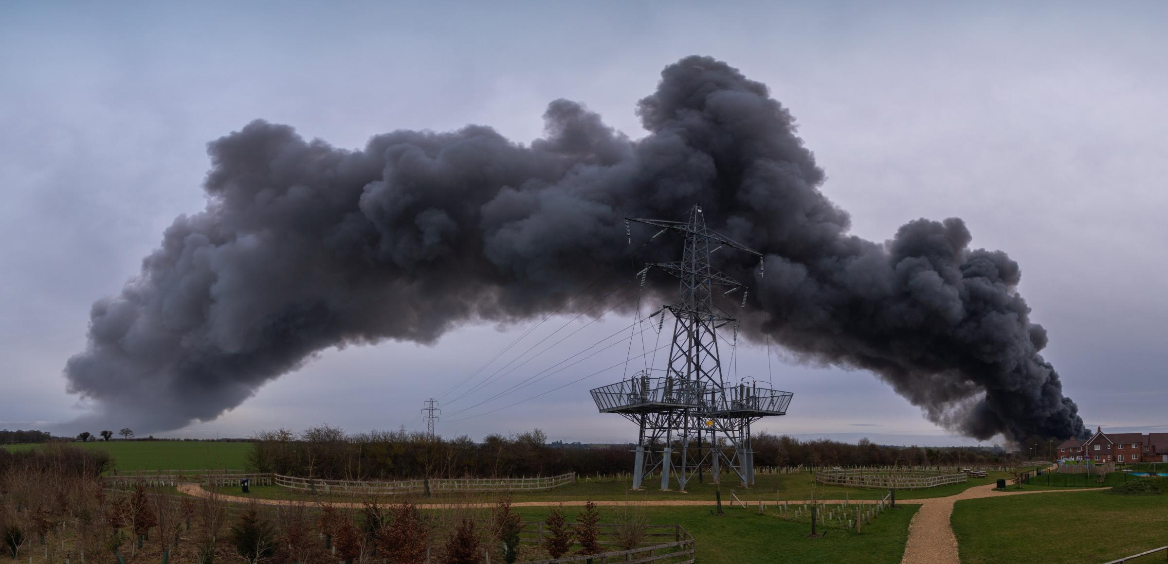 The plume of smoke over Andover. Image: Michael Webb