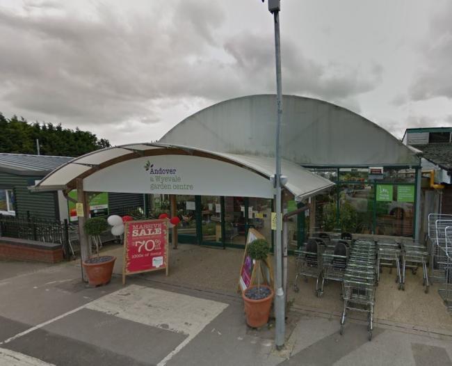 Wyevale Garden Centre Bird Baths Pusat Hobi